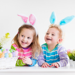 Joyeuses Pâques, des idées de textes pour souhaiter de Joyeuses Pâques. Créez ou achetez une belle carte, inscrivez-y un joli texte avant de l'envoyer à votre famille ou vos amis.