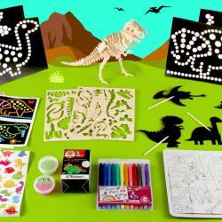 Voici la box dinosaure de Créabul. Une box tout en un pour animer un goûter sur le thème des dinosaures avec les enfants.