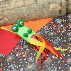 Retrouvez des idées de bricolages autour du dragon, l'un des symboles du Nouvel an chinois.  Retrouvez des bricolages, des marionnettes inspiré des dragons qui défilent le jour du nouvel an chinois, il suffit de l'imprimer pour que votre enfant puisse le