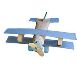 Les enfants peuvent réaliser des merveilles de bricolage avec les rouleaux de papier toilette et les rouleaux de papier absorbant. Ne les jettez plus, récupérez-les et laissez parler la créativité de vos enfants à l'aide des suggestions, pas à pas