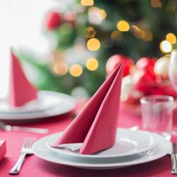 Toutes nos activités par les enfants rangées par types de bricolages. Vous retrouverez les calendriers de Noël, les guirlandes, les boules de Noël, les sapins, les bougies, les cartes ou encore les ronds de serviettes