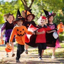 Et si vous organisez une chasse au trésor d'Halloween à vos enfants le 31 octobre ? Découvrez tous nos conseils et idées !