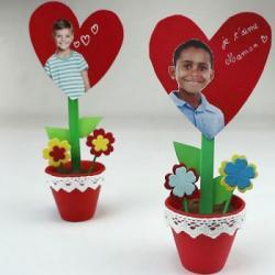 Bricolages de coeurs pour la fête des mères :  bouquet de coeurs, cartes, un coeur géant ... Tous ces bricolages sur les coeurs sont expliqués et illustrés