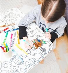 La Coloritable est une adorable petite table à colorier effaçable. Responsable, créative, pédagogique : elle est parfaite. Retrouvez toutes les infos sur ce nouveau produit qui va plaire aux petits et grands enfants.