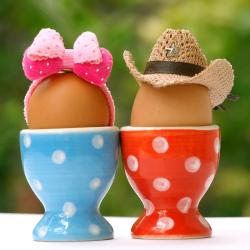Coquetiers des oeufs de Pâques