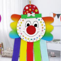 Vous réfléchissez à votre Déco de carnaval ? Voici des idées de décorations à fabriquer pour votre goûter de Mardi Gras ou votre fête d'anniversaire sur le thème du Carnaval. Vous retrouverez des pinatas, des guirlandes, des décos de Carnaval à imprimer o