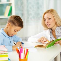 Dictées : soutien scolaire pour les enfants en CE2