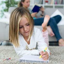 Dictées : soutien scolaire pour les enfants en CM1