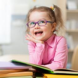 Glossaire - dictionnaire des mots utilisés sur Tête à modeler et leur activités associées. Retrouvez une définition simple et la liste des activités associées. ête à modeler est le site des enfants et de leurs parents, pour bricoler, colorier, chanter, de