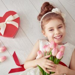La Saint valentin tombe chaque année le 14 février et nous célébrons ce jour là tous les amoureux du monde. Retrouvez des infos sur l'origine de la Saint Valentin, son histoire, ses traditions et d'autres infos pour répondre aux questions que les enfants