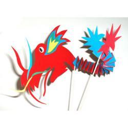 Bricolage pour réaliser une marionnette inspirée de l'art et de la tradition chinoise et asiatique du carnaval. Dragon chinois articulé à réaliser à partir de la fiche gratuite d'explicatio