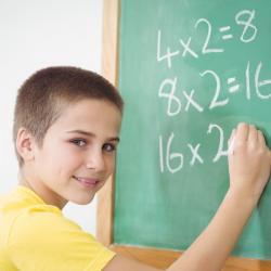 Exercices et activité de maths pour les enfants du primaire, classes de CM1. Additions, multiplication, soustractions et divisions à imprimer pour s'entraîner.
