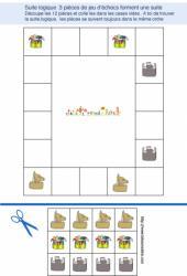 jeu de suite logique : 12 pièces de jeu d'échecs à placer