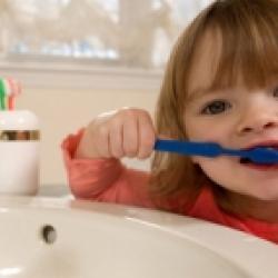 Hygiène dentaire dès 2 ans