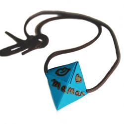 collier avec perle origami