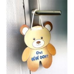 Pancarte petit ours chut bébé dort