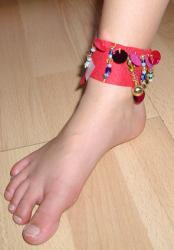 Explication pour faire des bracelets de cheville Laos