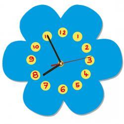Une  horloge en bois pour apprendre à lire l'heure