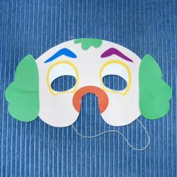 Bricolage pour réaliser un masque de clown. Deux versions sont proposées : une version coloriée ou en version à colorier. Le masque est réalisé en papier épais type canson ou en