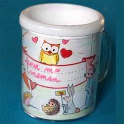 Mug personnalisé avec des coloriages, un cadeau de fête des mères