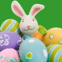 Le dimanche de Pâques est un jour très important pour les familles françaises qui est rythmé par quelques rituels et traditions comme la chasse aux œufs, le repas de Pâques et le partage des chocolats. Retrouvez toutes nos infos et idées pour fêter le dim