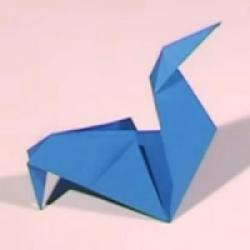 pliage d'une poule en papier