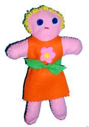 Fabriquer une poupées feutrine