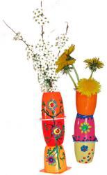 Vase petits suisses décoré de peinture