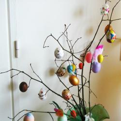 Réalisation de l'arbre à oeufs de Pâques