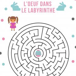 Jeu de labyrinthe gratuit à imprimer - Qui de la fille, du garçon ou du lapin trouvera l'oeuf en chocolat posé au milieu du jardin labyrinthe?