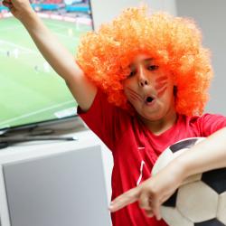 Retrouvez dans cette catégorie tous les jeux à imprimer sur le thème de la coupe du monde.Des jeux sur les équipes, sur les maillots, des jeux de labyrinthe, mots cachés... Les jeux aident les enfants à grandir et à construire leurs capacités d'observati
