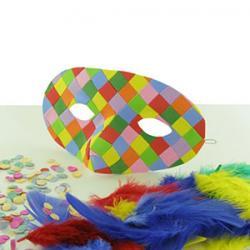 Que vous organisiez un anniversaire sur le thème du Carnaval ou que vous prépariez mardi gras, vous aurez besoin d'idées pour trouver une bonne activité de Carnaval à proposer aux enfants comme fabriquer un masque, un costume, réaliser une déco de table r