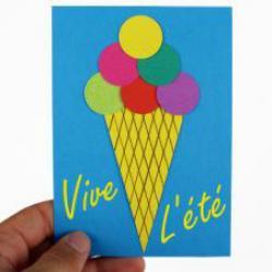 activité de bricolage à faire avec les enfants pour réaliser une carte postale crème glacée