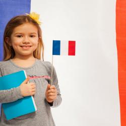 Un mini dossier sur la France, le pays, son peuple, son drapeau, ses symboles, son histoire, ses institutions, ses valeurs ... Retrouvez des fiches de synthèse pour mieux comprendre et expliquer la France aux enfants. Ce dossier rassemble toutes les fiche