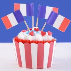 Découvrez les étapes pour faire la recette des cupcakes du 14 juillet, parfaits pour la Fête nationale. C'est une recette délicieuse qui plaira aux petits comme aux grands.