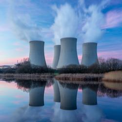 Mini dossier sur le Nucléaire et les risques du nucléaire pour l'expliquer aux enfants : Voici un mini dossier sur le nucléaire, les risques pour la santé, les irradiations ... Tout pour expliquer à votre enfant les risques du nucléaire pour la santé et c