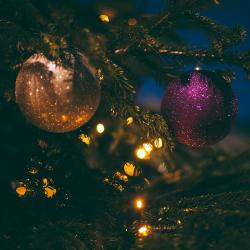 Joyeux Noël ! Quel doux mots à l'approche de Noël. Pour que chacun puisse souhaiter un joyeux noël, retrouvez un ensemble d'articles et idées de bricolage pour préparer un joyeux Noël po