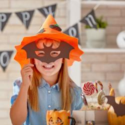 Pleins d'idées pour réaliser un masque pour vous déguiser pour Halloween ! Masque de loup, de diable, de squelette, vous en aurez pour tous les goûts et tous les âges si vous préférez les masques au maquillage .
