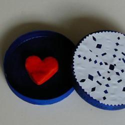 Offre ton coeur - Mets ton Coeur en boite et offre le en cadeau à une personne que tu aime beaucoup, ou aime tout court. Ton coeur est un joli coeur en pâte à sel enfermé dans une belle boite écrin.