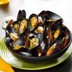Une recette de moule diététique pour toute la famille. La recette des moules au céleris est très facile à faire, tous les ingrédients sont placés dans la cocotte et il suffit d'a