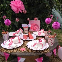 Comment décorer une table pour un buffet tout en rose