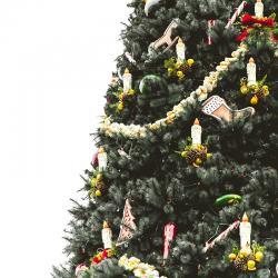 Avant, la tradition voulait qu'on installe le sapin le 24 décembre, maintenant, le sapin fait son apparition généralement beaucoup plus tôt dans les foyers.