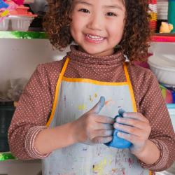 Retrouvez la recette facile et rapide de la pâte à sel et tous nos conseils pour réussir la cuisson ou la décoration. Les enfants adorent malaxer la pâte et faire parler leur créativité en modelant toute sorte d'objets.