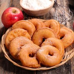 Recette des beignets aux pommes sauce caramel