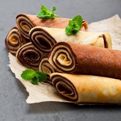 Cette recette de pâte à crêpes est une recette qui permettra de créer des crêpes bicolores très jolies. Une recette de crêpes simple pour réaliser des crêpes uniques avec vos enfants.