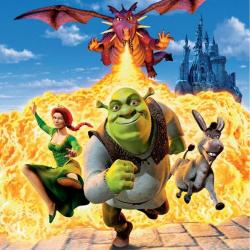 Shrek, un ogre verdâtre, cynique et malicieux, a élu domicile dans un marécage qu'il croit être un havre de paix. Un matin, alors qu'il sort faire sa toilette, il découvre de petites créatures agaçantes qui errent dans son marais.