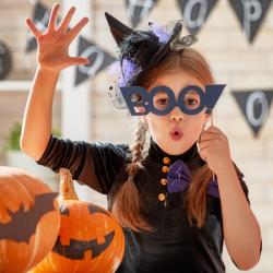 Souhaiter un Joyeux Halloween de manière drôle ou originale n'est pas toujours facile. Voici des idées de textes qui devraient vous inspirer.