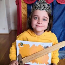 Avec l'histoire « Mon Royaume » d'Epopia, ce rêve va devenir réalité ! Propulsé au rang de souverain, votre enfant va devoir aider les sujets de son Royaume à vaincre un méchant sorcier.