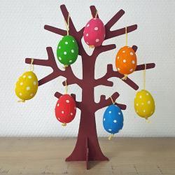 UN tuto pour réaliser cet arbre de Pâques minimaliste avec les enfants
