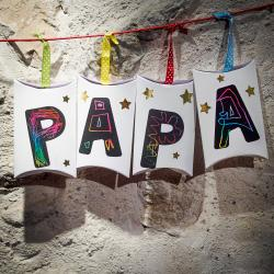 tuto pour bricoler une guirlande de cadeaux pour la fête des pères